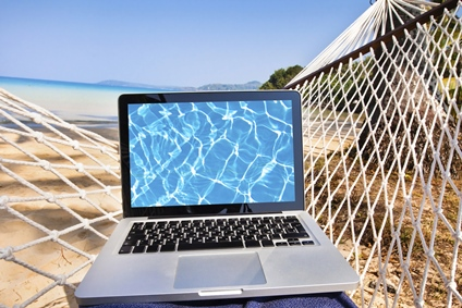 laptop-ocean