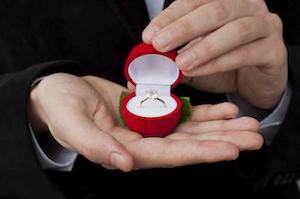 Diamond-ring-engagement-2