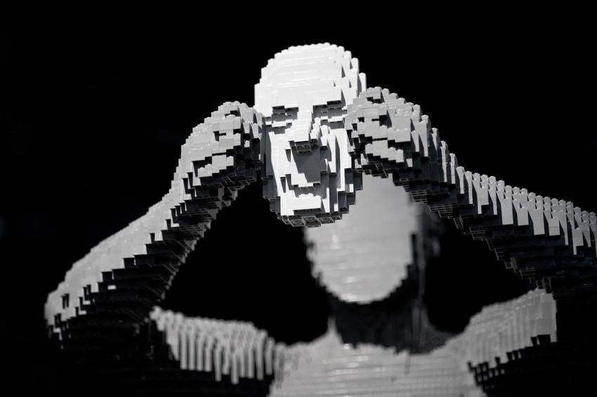 lego-art-silver-face-man