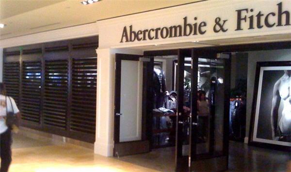 abercrombie store marketing technique