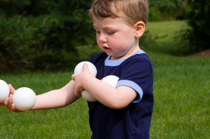 baby juggling