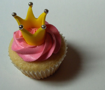 cupcake with crown