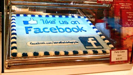 Facebook Like Cake resized 600