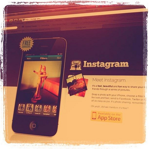 The Marketer's Scoop on Instagram and How to Use It