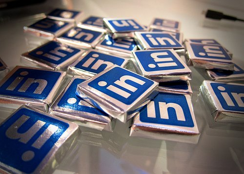 5 Clever Uses of LinkedIn's Brand New Group Polls Feature