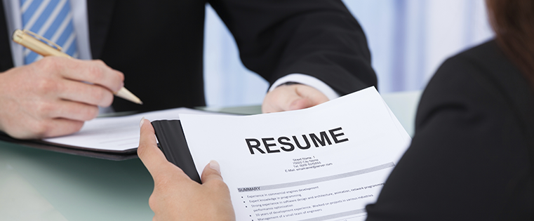 How to Write a Marketing Resume Hiring Managers Will Notice [Free 2018 Templates + Samples]