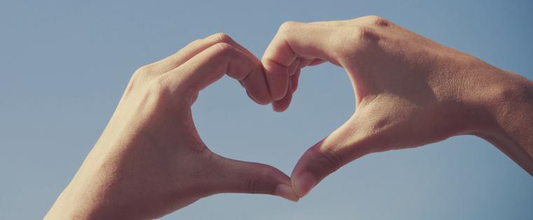 hands_in_heart_sky