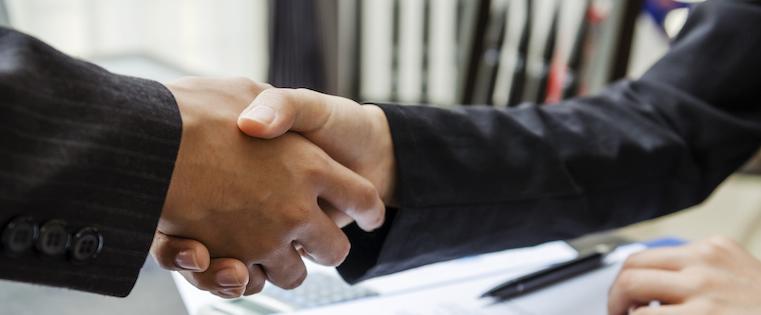 handshakeclosesalesdeal