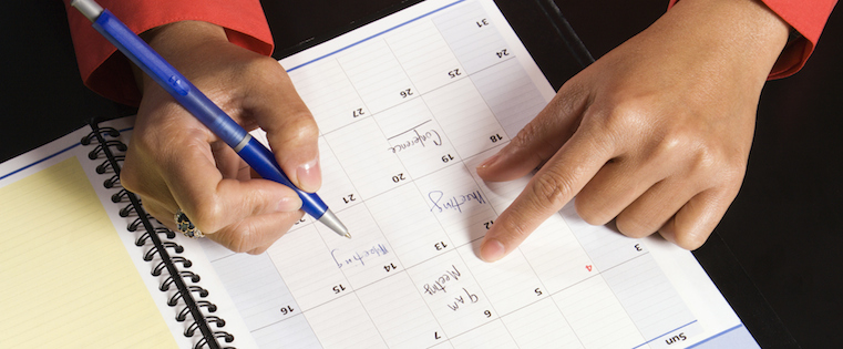 How 16 of the Most Successful Social Sellers Schedule Their Days [Infographic]