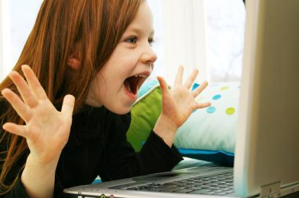 kid-having-computer-fun