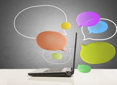 laptop-chat-bubbles