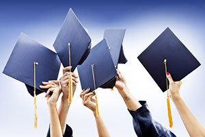8 Inspiring Graduation Speeches With Valuable Business Lessons