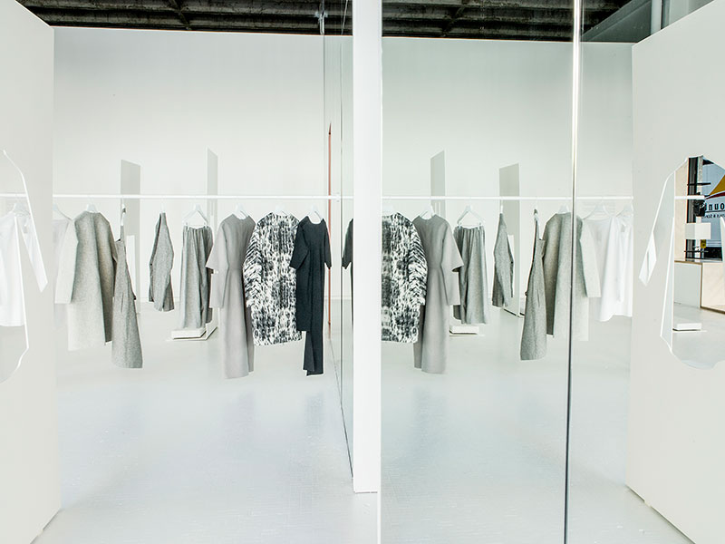 COS LA  15 Creative Examples of Branded Pop-Up Shops snarkitecture2