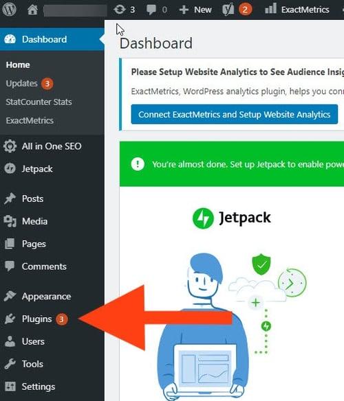 8 notifcations indicating plugin updates in WordPress dashboard