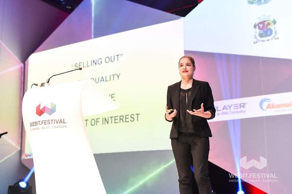 Melanie Deziel keynote speaker hubspot