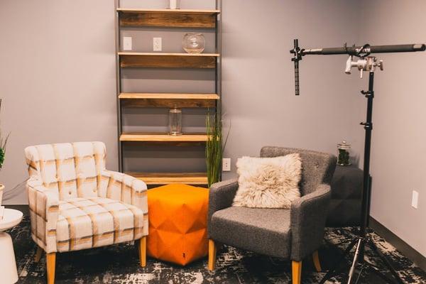 video-marketing-in-office-studio