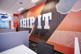 "Orange mural saying ""send it"" on a wall in the HubSpot Singapore office ""width ="" 500 ""style ="" width: 500px; display block; margin-left: car; margin-right: car; ""srcset ="" https://blog.hubspot.com/hs-fs/hubfs/hubspot-mural.jpeg?t=1538205472522&width=250&name=hubspot-mural.jpeg 250w, https: // blog .hubspot.com / hs -fs / hubfs / hubspot-mural.jpeg? t = 1538205472522 & width = 500 & name = hubspot-mural.jpeg 500w, https://blog.hubspot.com/hs-fs/hubfs/hubspot-mural. jpeg? t = 1538205472522 & width = 750 & name = hubspot-mural.jpeg 750w, https://blog.hubspot.com/hs-fs/hubfs/hubspot-mural.jpeg?t=1538205472522&width=1000&name=hubspot-mural.jpeg 1000w, https://blog.hubspot.com/hs-fs/hubfs/hubspot-mural.jpeg?t=1538205472522&width=1250&name=hubspot-mural.jpeg 1250w, https://blog.hubspot.com/hs-fs / hubfs /hubspot-mural.jpeg?t=1538205472522&width=1500&name=hubspot-mural.jpeg 1500w ""sizes ="" (maximum width: 500px) 100vw, 500px"