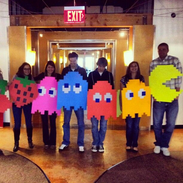 Group costume with PAC-MAN, four ghosts and fruit from the vintage arcade game