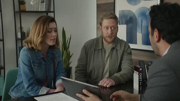 Quickenloans programmatic TV ad featuring a couple discussing loan options with a QuickenLoans employee