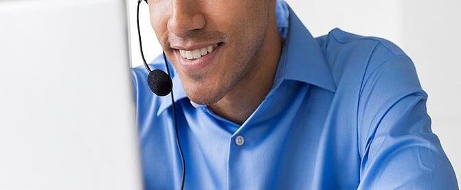 salesperson_phone.jpg