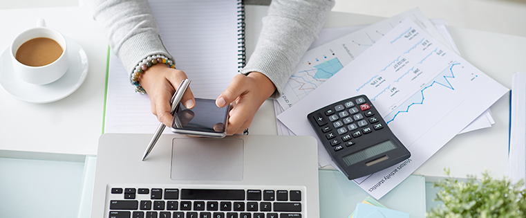 How to Determine the Ideal Hourly Rate to Charge Your Clients [Free Calculator]
