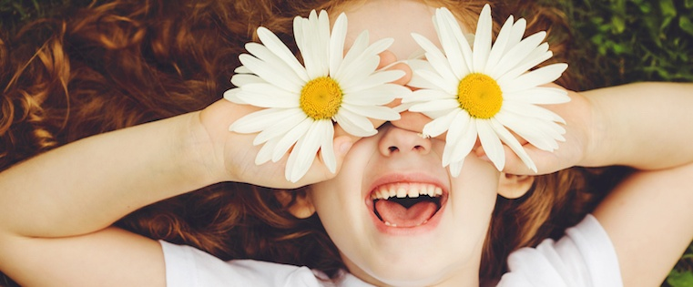 How to Be Happier: Tips for Developing an Optimistic Outlook on Life [Infographic]