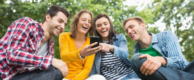 How People Are Really Using Snapchat: A Glimpse Into Their Growing User Base [Infographic]
