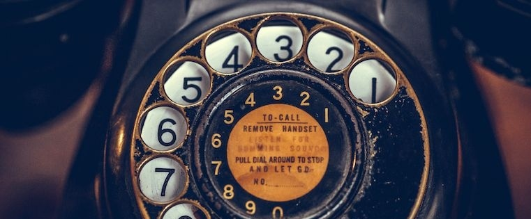 8 Ways to Start a Sales Call So Prospects Don't Hang Up On You