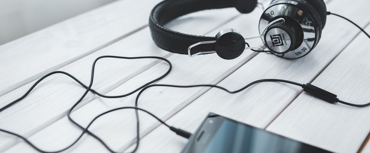 13 Sales Podcasts Every Rep Should Check Out