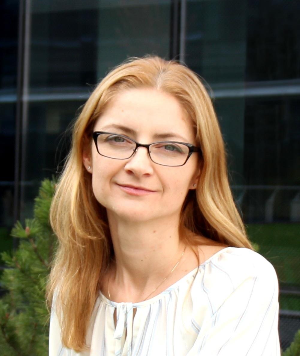 Nadia Balint