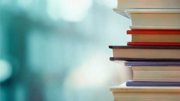 15 Must-Read Sales Books For Beginners