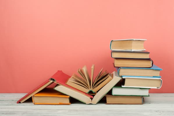 The 24 Best Sales Management Books Every Sales Manager Should Read