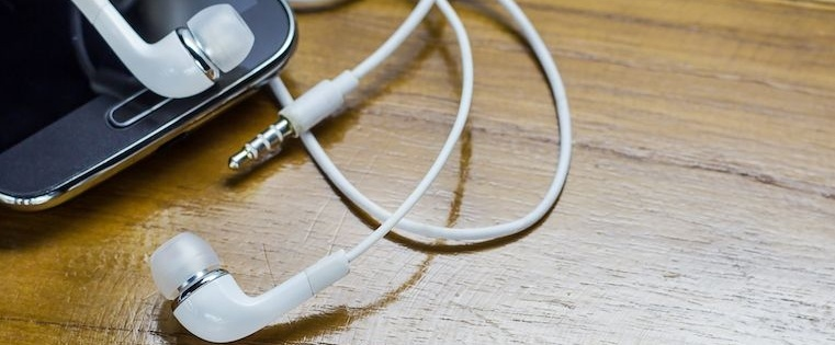 16 Sales Podcasts Every Rep Should Check Out