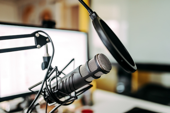 Want to be a Better Social Media Marketer? Listen to These 13 Podcasts