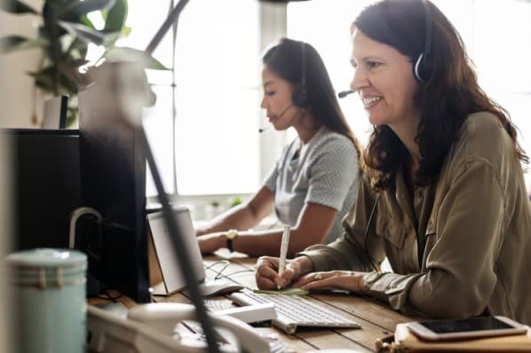 7 Call Center Metrics to Measure Your Customer Service