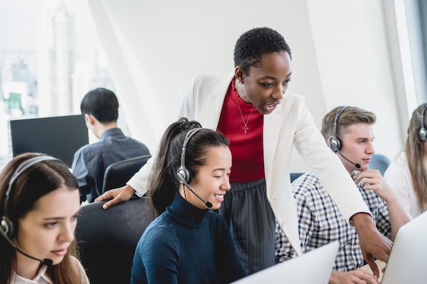 The 15 Best Call Center Software (& Features You Need) in 2021