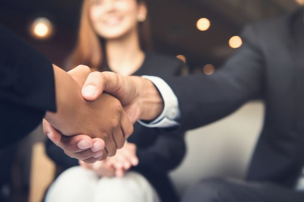 6 Conflict Resolution Tips to Foster Better Customer Relationships