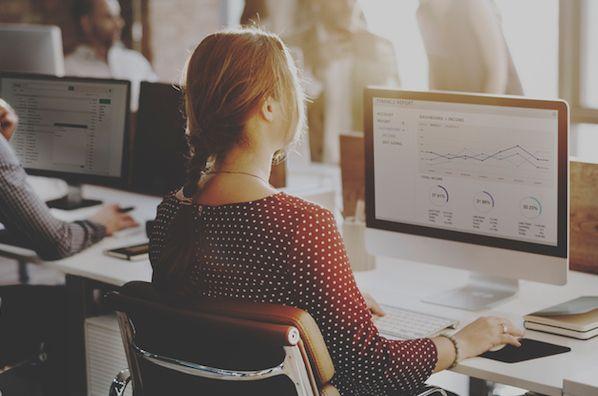 7 Reasons to Build a Customer Education Program