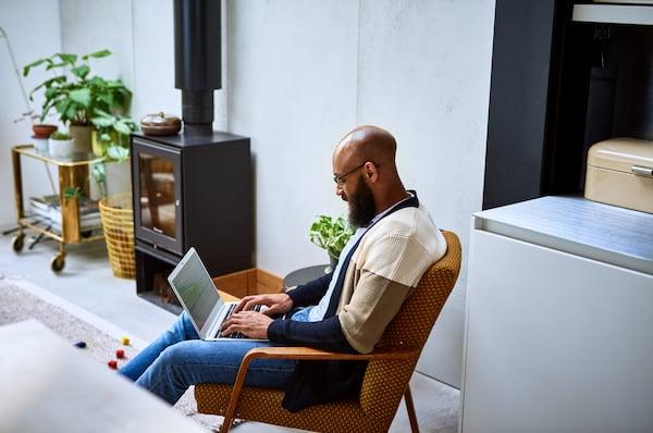 What is Customer Effort Score (CES)?