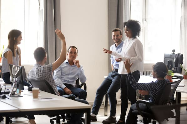 7 Effective Ways to Build a Strong Customer Service Culture