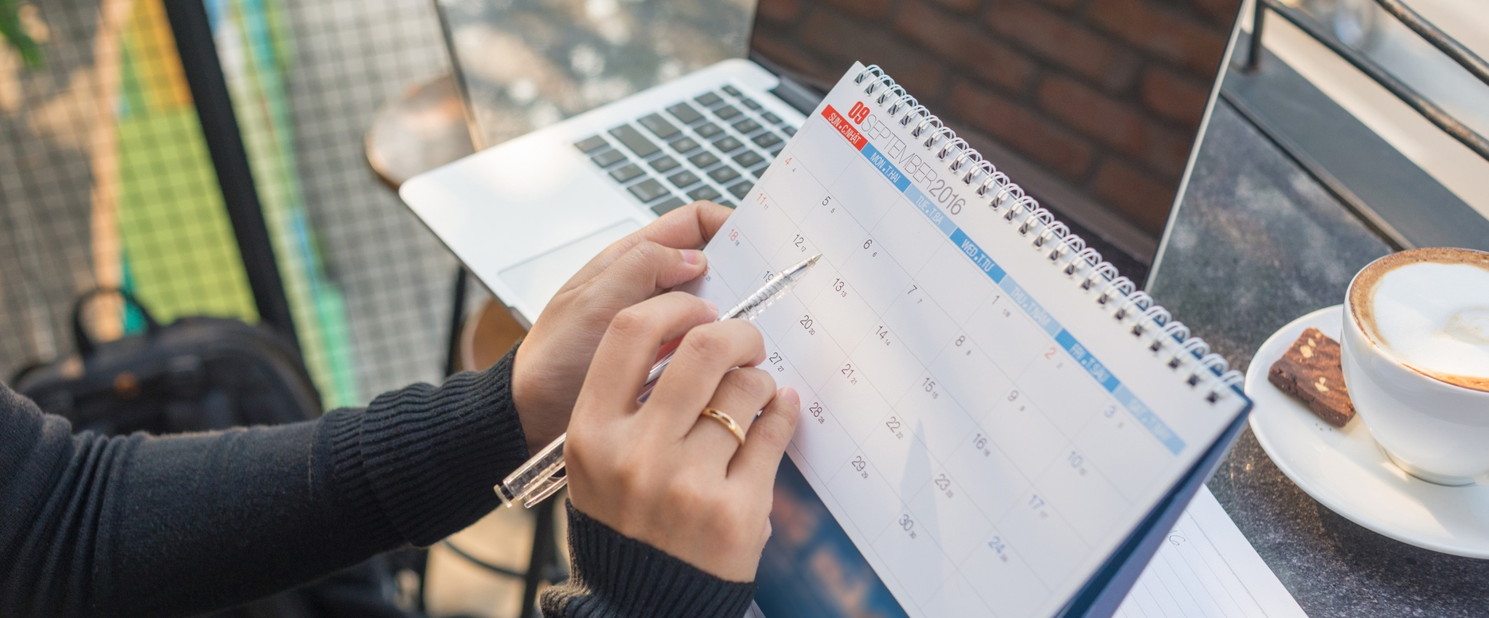 10 Simple Habits to Help Reps Crush Quota Every Month [Infographic]