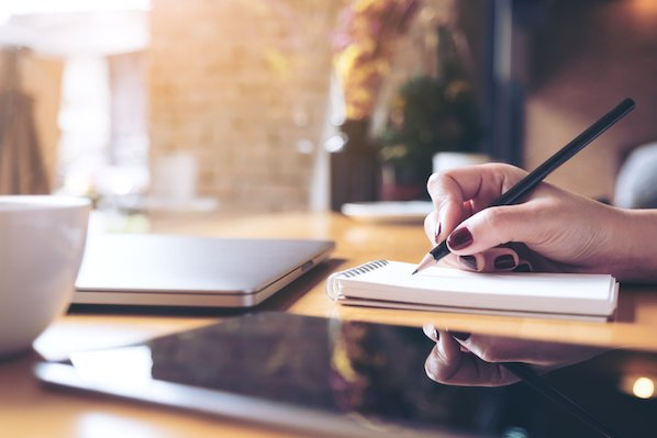 How to Improve Your Writing Skills and Escape Content Mediocrity (Infographic)