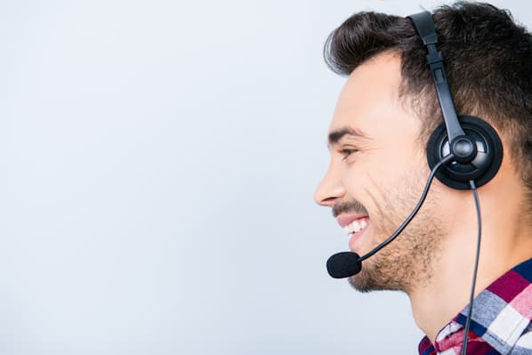 What Is First Call Resolution? Everything Customer Support Pros Should Know