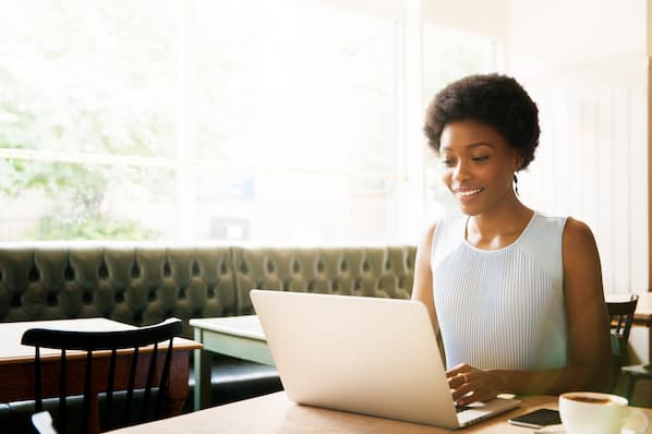 Email marketer gets to know her email subscribers online.