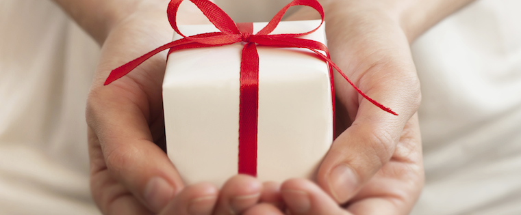 How to Give Gifts to Clients the Right Way