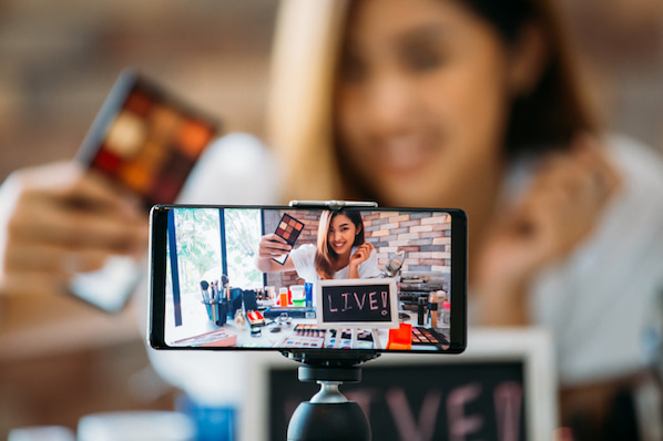 The Step-by-Step Guide to Instagram Live [+ Influencer-Approved Tips]