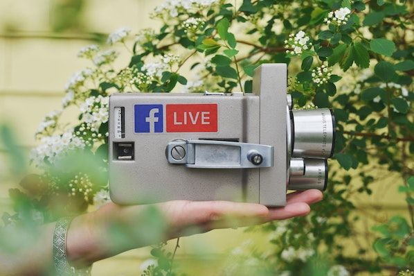 How to Use Facebook Live: The Ultimate Guide