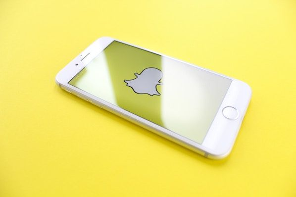 How to Use Snapchat: A Detailed Look Into HubSpot's Snapchat Strategy