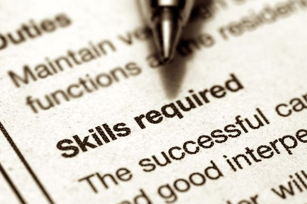 How to Write a Job Description That Attracts Awesome Applicants