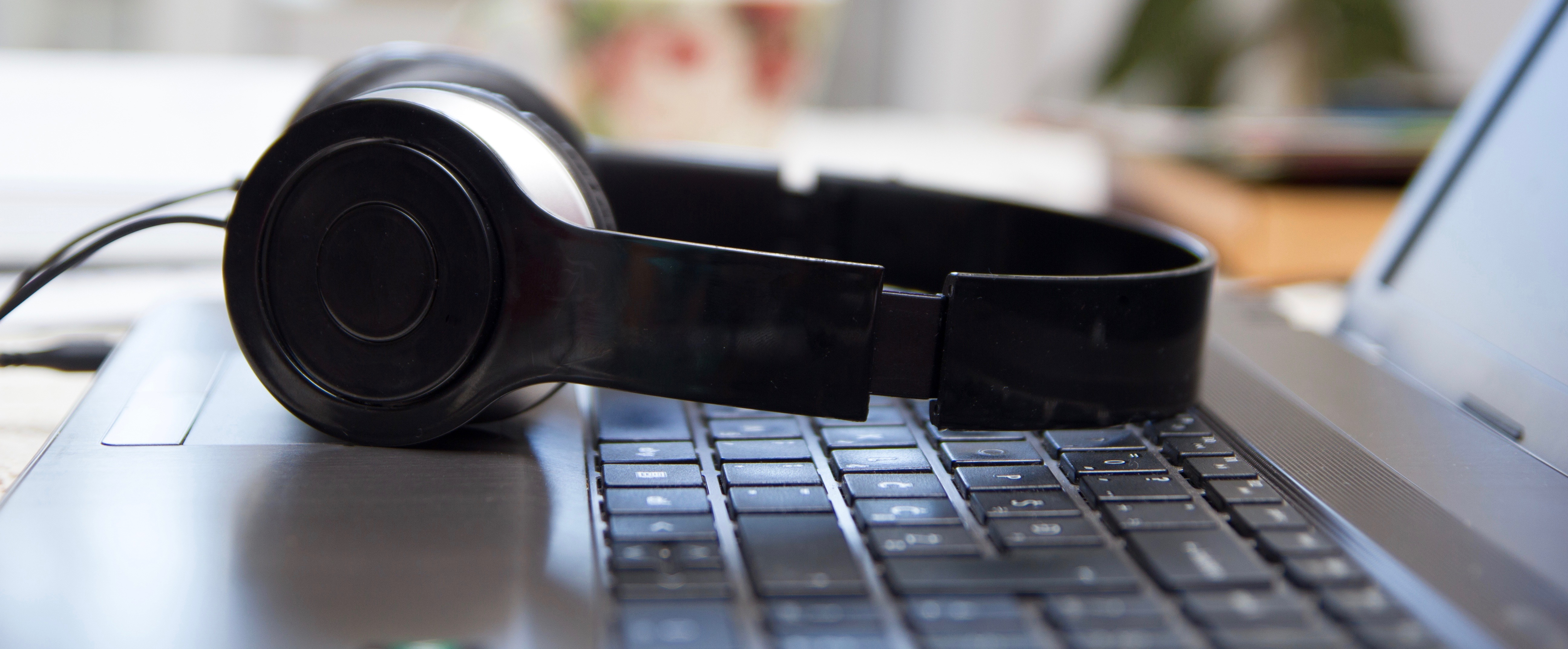 10 of the Best Podcasts About Business and Management